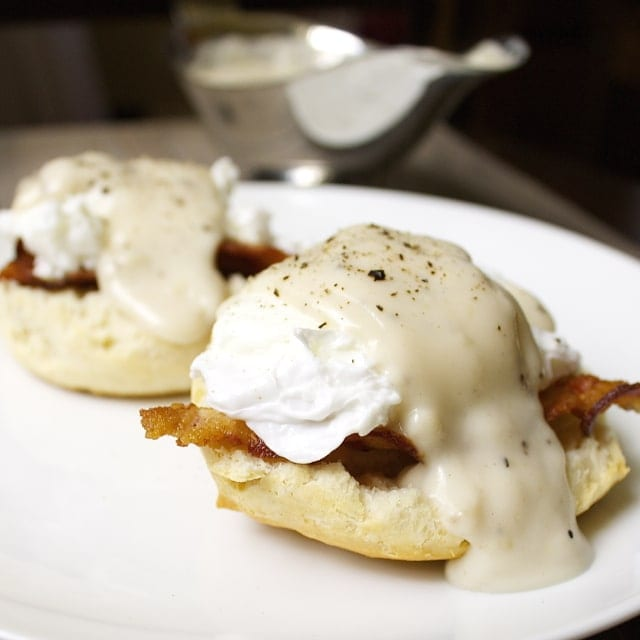 Southern Eggs Benedict // The Stylist Quo