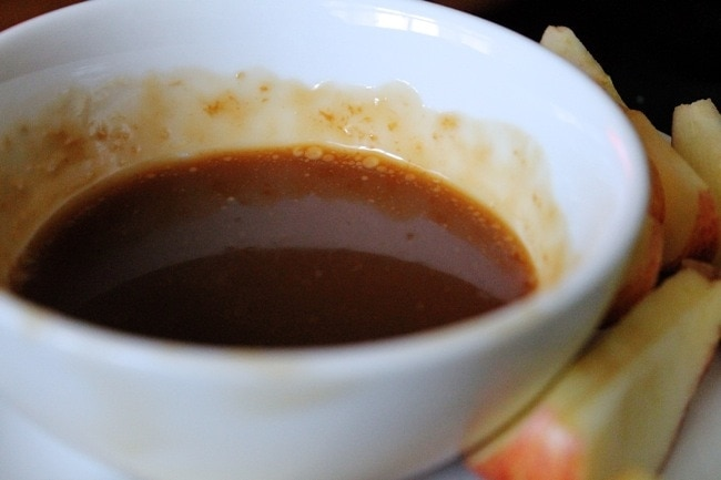 Easy, Perfect Caramel Sauce at the Stylist Quo