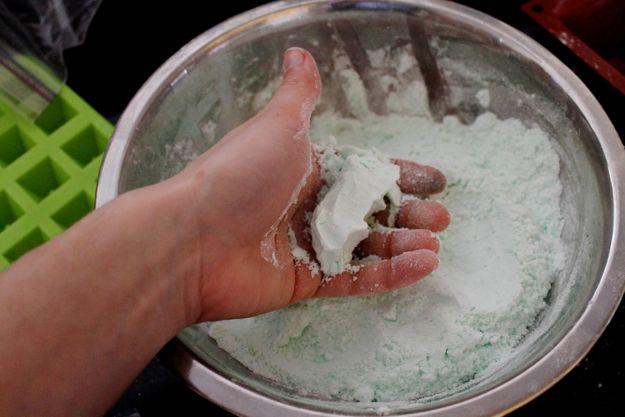Homemade Bath Bombs Tutorial
