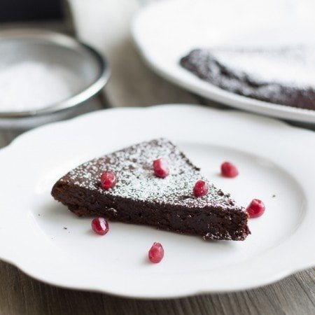 Flourless Chocolate Cake / The Stylist Quo