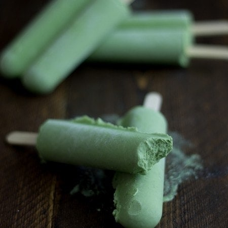 Green Tea Coconut Popsicles. The perfect creamy summer treat.. what's even greater is these only require a few minutes of prep time! Mmmm.Whoa. Whoa mommy.