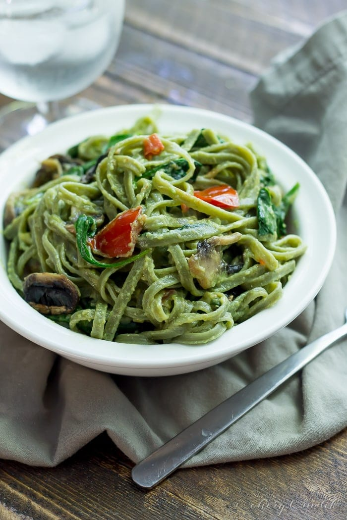 Avocado alfredo pasta - 20 minutes, rich, creamy, and good for you!