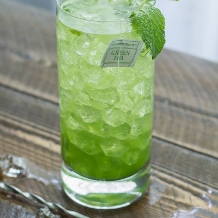 Matcha Mojito. Full of antioxidants and.. rum. Yum!