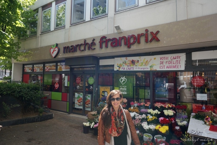 But I settled into that little 'hood and made this little supermarket my go-to. I spent hours there when I first moved to Paris, and it was beyond nerdy how excited I got about going back