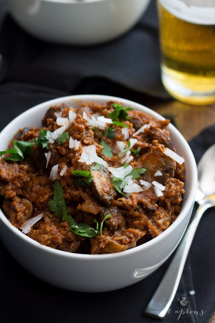 The best vegan chili I've ever had! Uses ground seitan and mushrooms, stout, and chipotle. Freaking delicious.