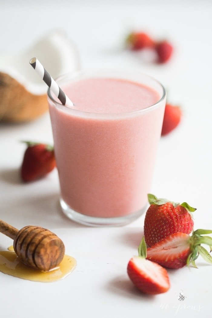 Strawberries and cream smoothie: 3 simple ingredients blend together for a perfectly rich, indulgent smoothie. 40 Aprons