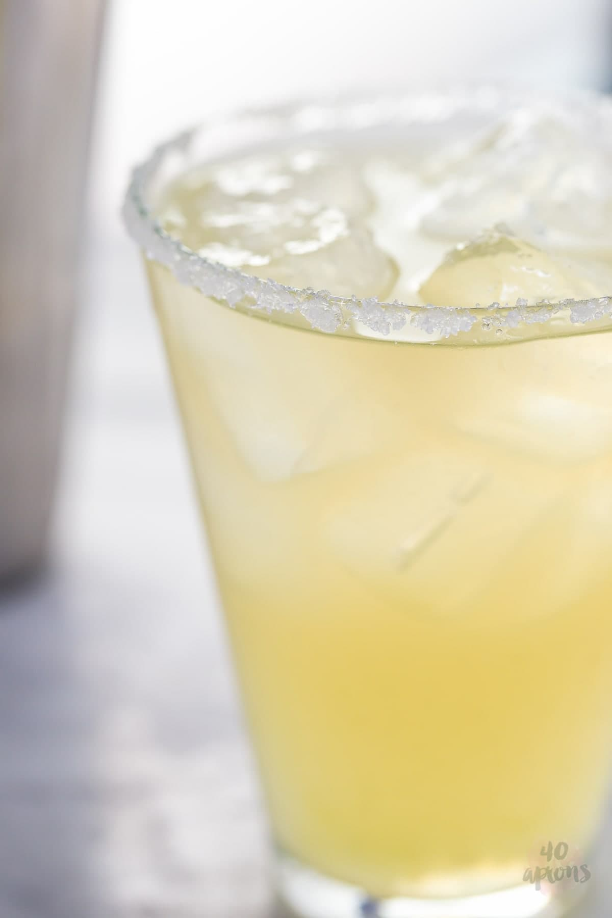 These healthy margaritas are made with simple ingredients: lime juice, honey, water, and booze. Sugar free and paleo (I mean... tequila is pretty much paleo, right?), they're the closest thing to healthy margaritas that exist! Ideal for Cinco de Mayo or any fiesta occasion (slash random weekday), you'll fall in love with how super quick and easy these healthy margaritas are, too.