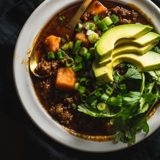 Whole30 Chili (with Chocolate!) - Paleo // 40 Aprons