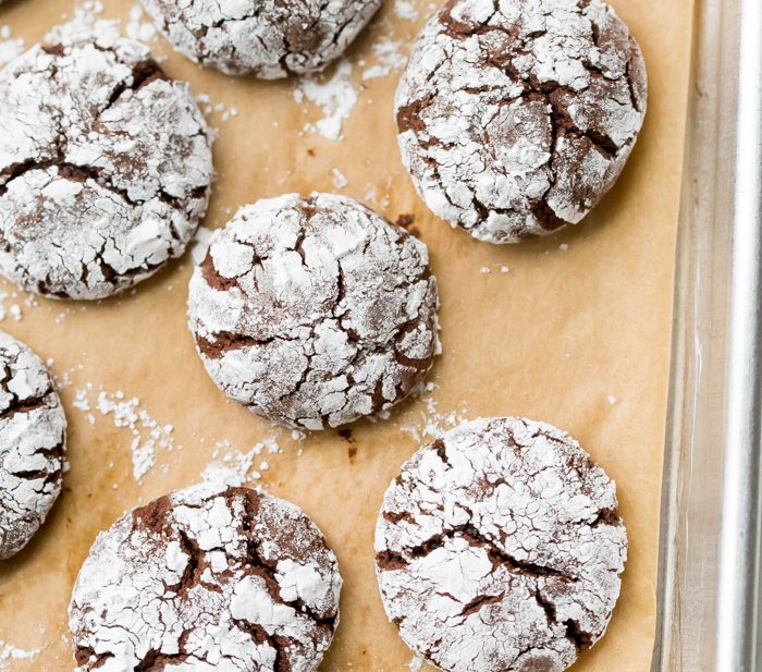 Paleo Gluten-Free Crinkle Cookies (Peppermint Chocolate)