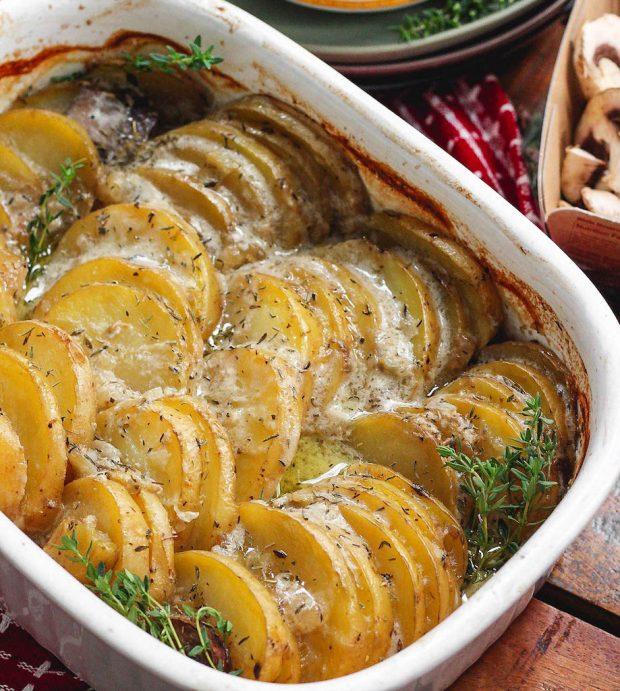 overhead shot of whole30 scalloped potatoes