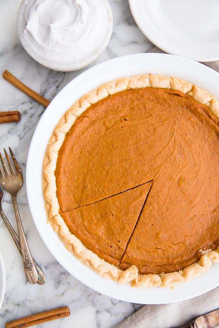 A baked vegan pumpkin pie