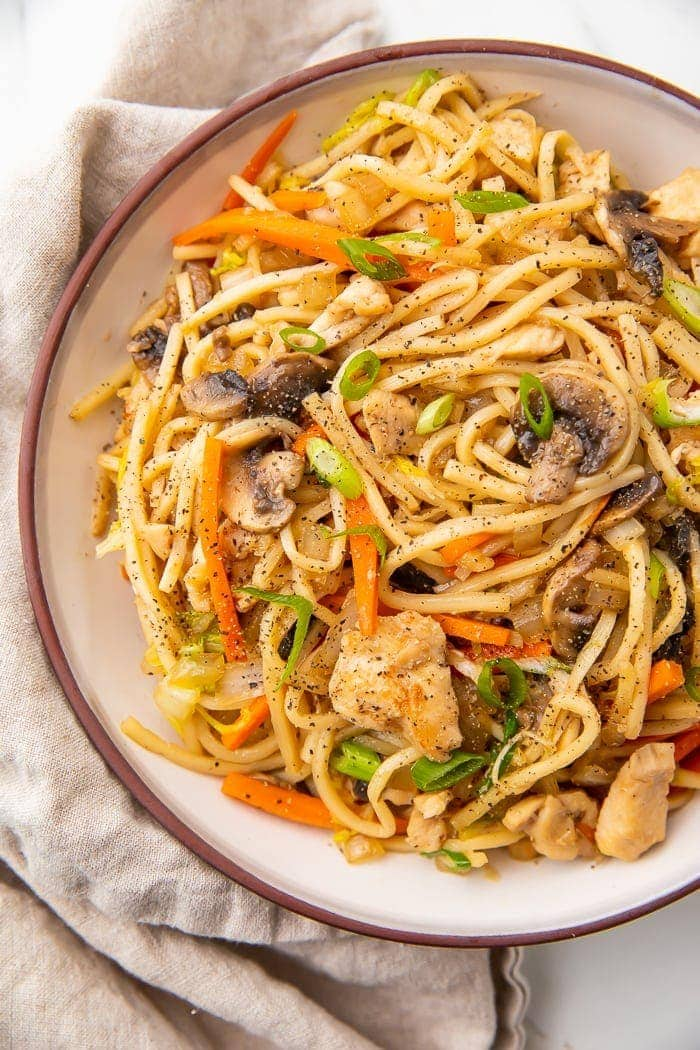 Overhead photo of a bowl of Whole30 chicken lo mein