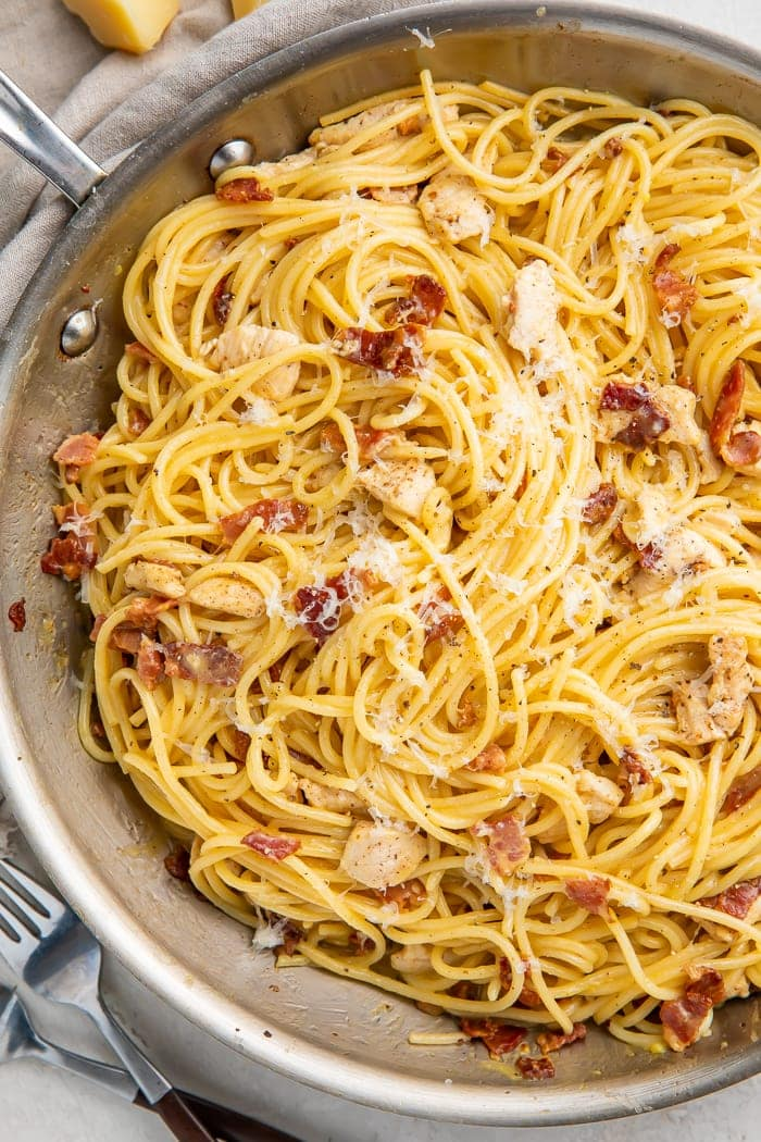 Chicken carbonara in a skillet