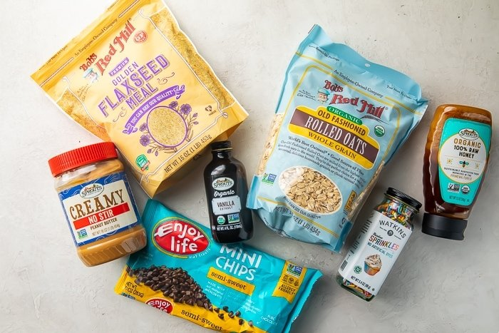 Ingredients to make peanut butter and chocolate chip energy balls