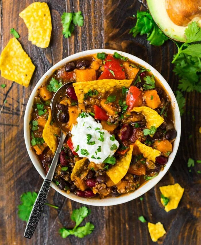 Vegetarian chili with tortilla chips