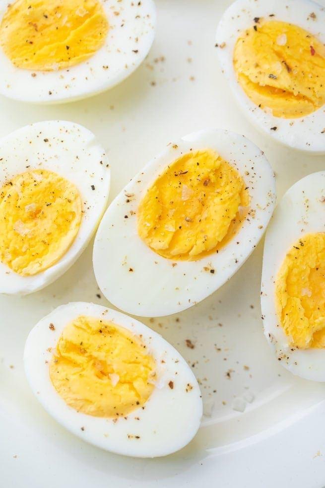 6 halves of hardboiled eggs