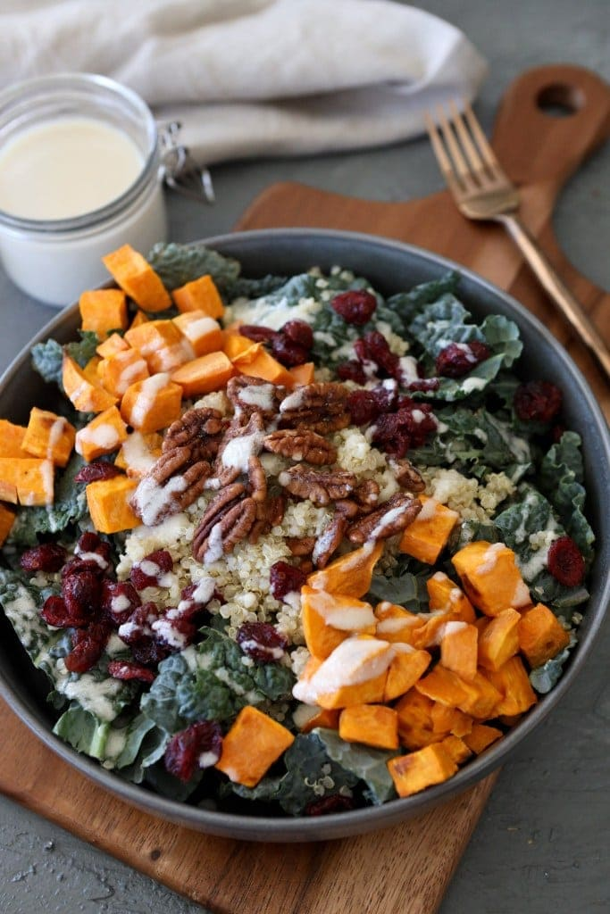 Kale and quinoa grain bowl