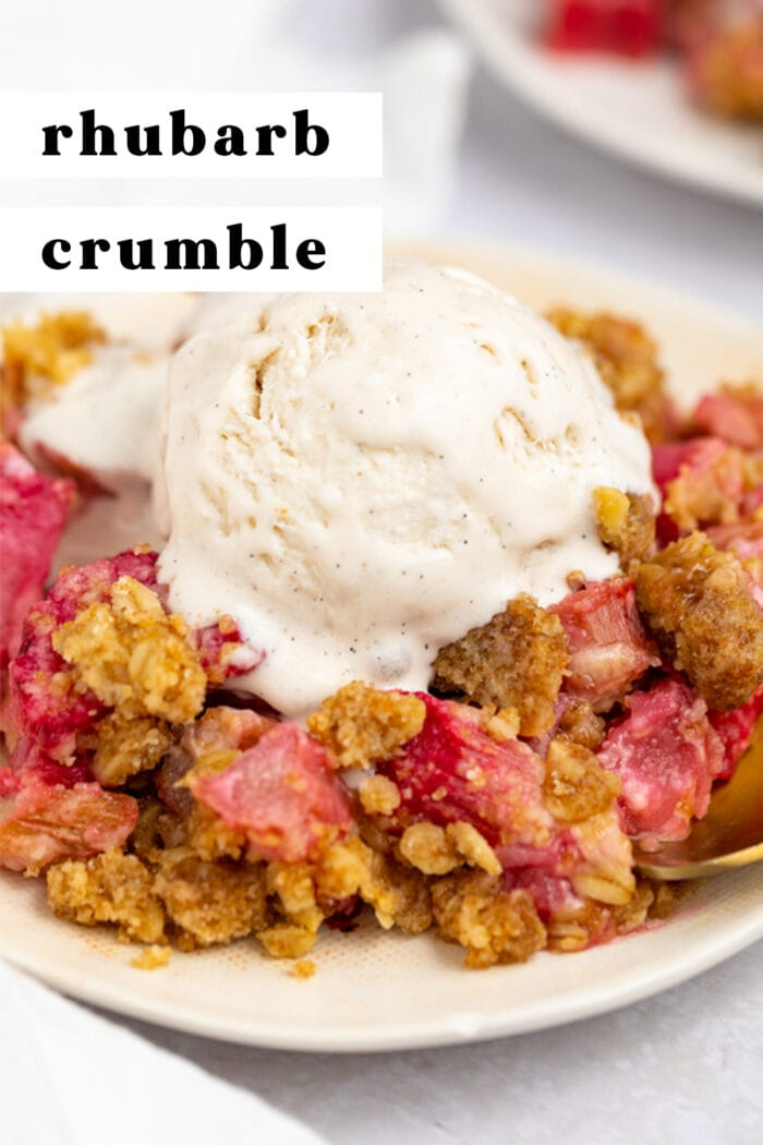 Pin graphic for rhubarb crumble