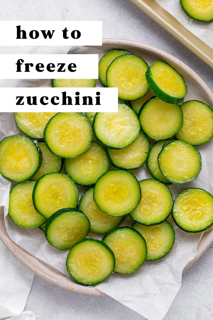 Pin graphic for how to freeze zucchini