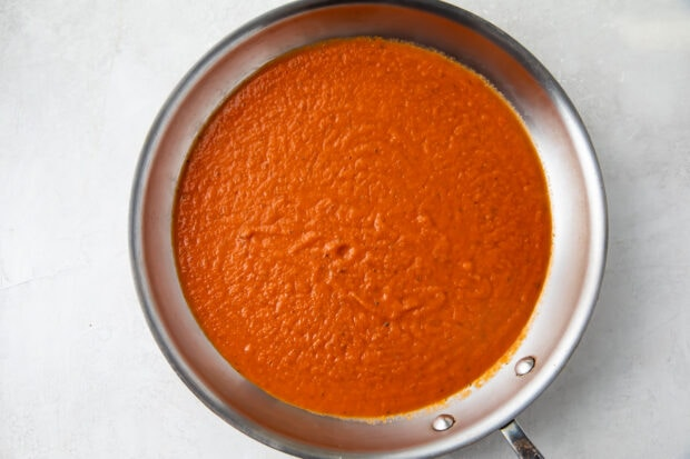 Pomodoro sauce in large saucepan
