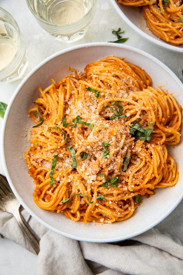 A bowl of pasta with pomodoro sauce