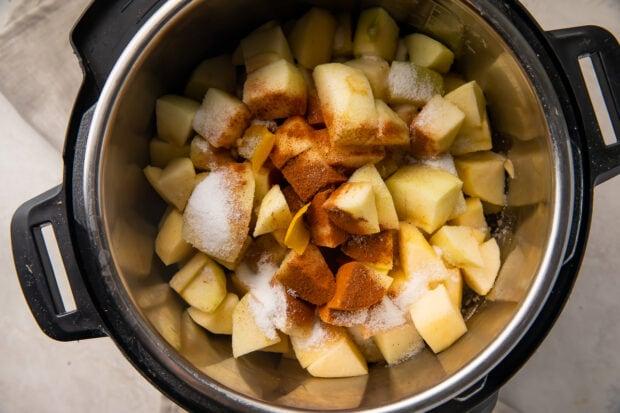 Ingredients for Instant Pot applesauce in Instant Pot