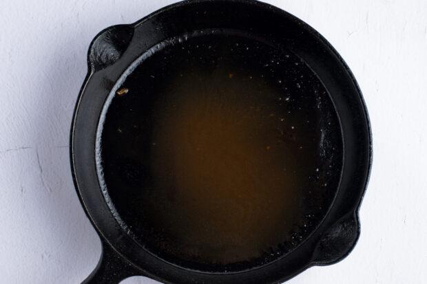 Red eye gravy in cast iron skillet